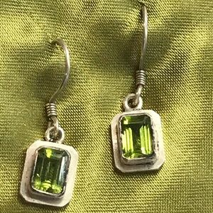 Silver earrings with green stone
